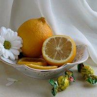 Лимонный натюрморт :: Татьяна Смоляниченко