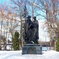 Александровской сад, памятник Пётру и Февронии :: Татьяна