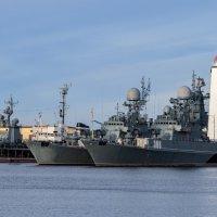 Средняя гавань :: Виталий Буркалов
