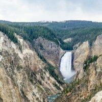 Нижний Водопад на реке Йеллоустон, штат Вайоминг :: Юрий Поляков