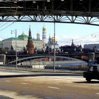Вид на Кремль от патриаршего моста :: Татьяна Беляева