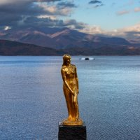 Статуя Тацуко на озере Тадзава :: slavado