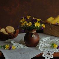 Желтый с сиреневым... :: Людмила