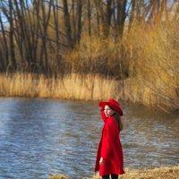 Девочка у озера :: Любовь Гулина