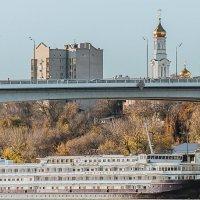 Купола в России кроют золотом, чтобы чаще Господь замечал... :: Юрий ЛМ