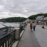 Киев, набережная у Днепра. :: Виктор Иванович Чернюк