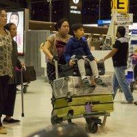 Таиланд, Бангкок, аэропорт Суварнабхуми :: Владимир Шибинский