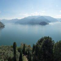 Вид на озеро :: Руслан Гончар
