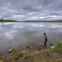 Рыбалка вечерняя ... :: Евгений Хвальчев