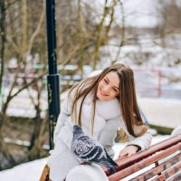 Девушка и голубь :: Александра Александровна