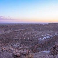 Фиолетовая пустыня... :: Владимир Жданов