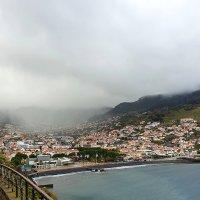 """Дождевая туча """"врезалась"""" в городок Машику, остров Мадейра. :: Анастасия Богатова"""
