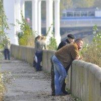 Осенний прогулка по старой набережной :: Ольга Винницкая (Olenka)