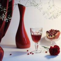 Красное с белым... :: Людмила