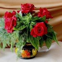 Розы с укропом и базиликом к обеденному столу :: Надежд@ Шавенкова