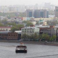 По реке плывёт баржа :: Сергей Якуцени