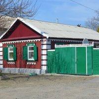 Шахты. Дом по ул. Разина 52. :: Пётр Чернега