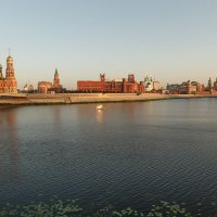 Рассвет на набережной :: Алексей Петропавловский
