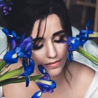 Невеста и ирисы :: Надежда Гончарук