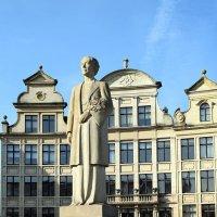 Статуя Елизаветы Рене Клике 1980 :: Татьяна Ларионова