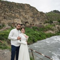 Азамат и Лаура :: Батик Табуев