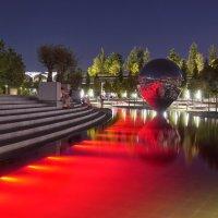 Современный арт-объект в парке Галицкого. Краснодар :: Андрей Майоров