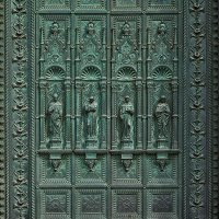 Барельеф на кованной двери в храм Св.Антония :: Valeriy(Валерий) Сергиенко