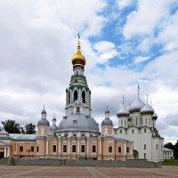 Кремлёвская площадь в Вологде :: Евгений Кочуров