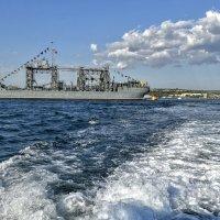 Старейший корабль ВМФ :: Игорь Кузьмин