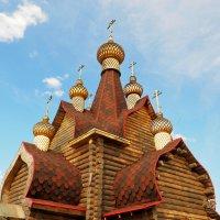 Деревенская церковь, купола :: Сергей Воинков