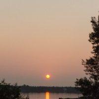 Закат на озере. :: Вадим Басов