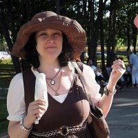 женские лики вкусное мороженое :: Олег Лукьянов