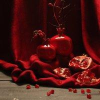 Натюрморт в красных тонах. :: Нина Сироткина