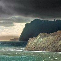 Вулкан Карадаг  с  мысами Хамелеон и Толстый :: viton