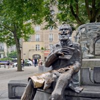 Памятник Шарлю Бюльсу - мэру Брюсселя :: Нина Синица