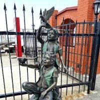 Скульптура детей в Зеленоградске :: Лидия Бусурина