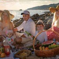 С семьей, с друзьями – на пикник! :: Денис Тар