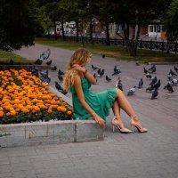 Девушка на Красном проспекте :: Елена Берсенёва
