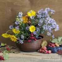 Осенний букетик :: Лидия Суюрова