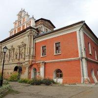 Церковь иконы Божией Матери Тихвинская в Симоновом монастыре :: Александр Качалин