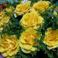 Букет желтых роз :: Лидия Бусурина