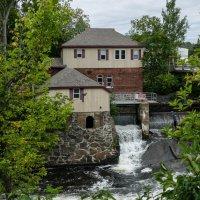 Первая ГЭС (1892 г.) в провинции Онтарио (Канада) :: Юрий Поляков