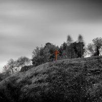 Крест на холме ... :: Роман Шершнев