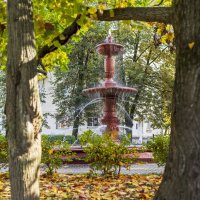 Осенний фонтан :: Арина
