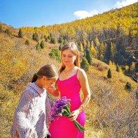 Мама и дочь, прогулка в горах :: Nur omo