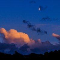 Луна пытается выходить :: Георгий А