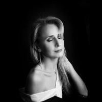 Монохромный автопортрет :: Фотостудия Объективность