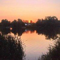 Вечером на озере :: Валерий Тарасов