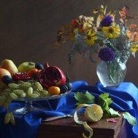 С цветами и фруктами... :: Людмила