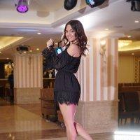А я танцую здесь по своей вине, И мне так хорошо, и мне так веселей. :: Александр Бабаев